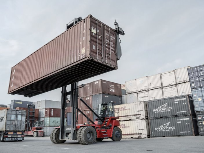 New Kalmar Empty Container Handler at CDM.   Kalmarglobal